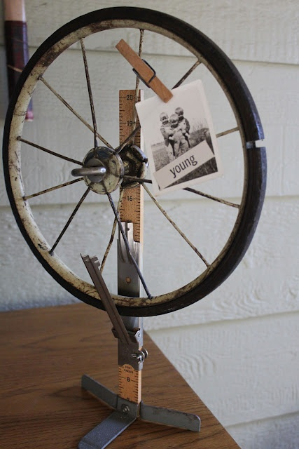 bike-wheel-pic-holder