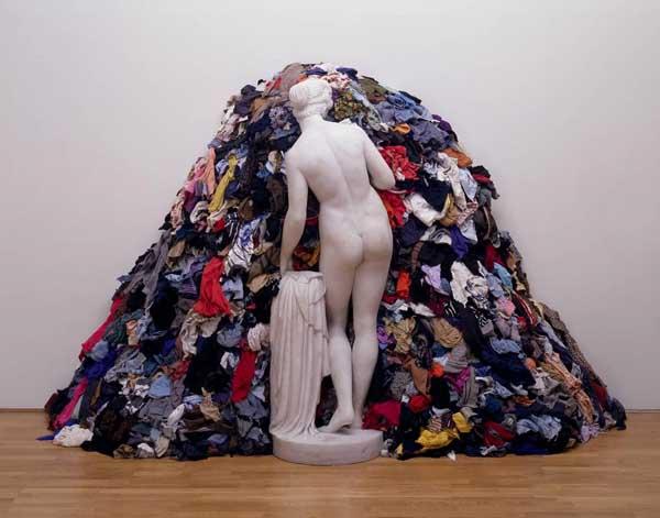 clutter-mound-art