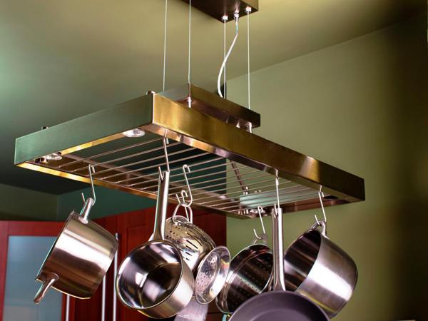 pots-ceiling-rack