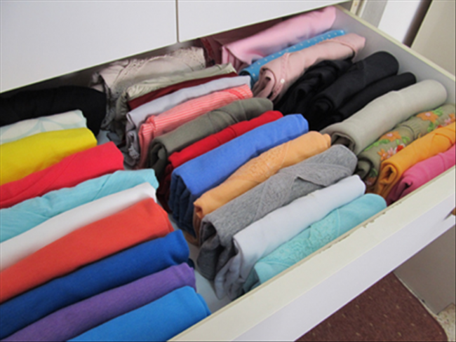 folded teeshirt drawer