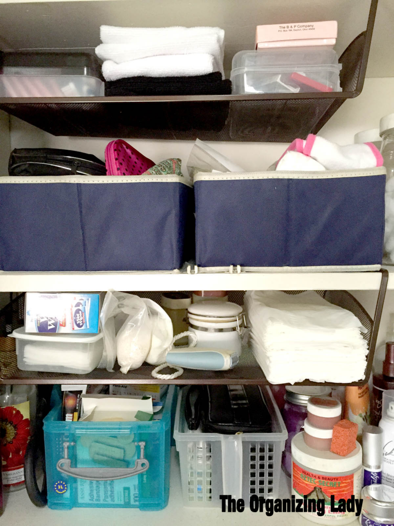 bathroom-cabinet-organization