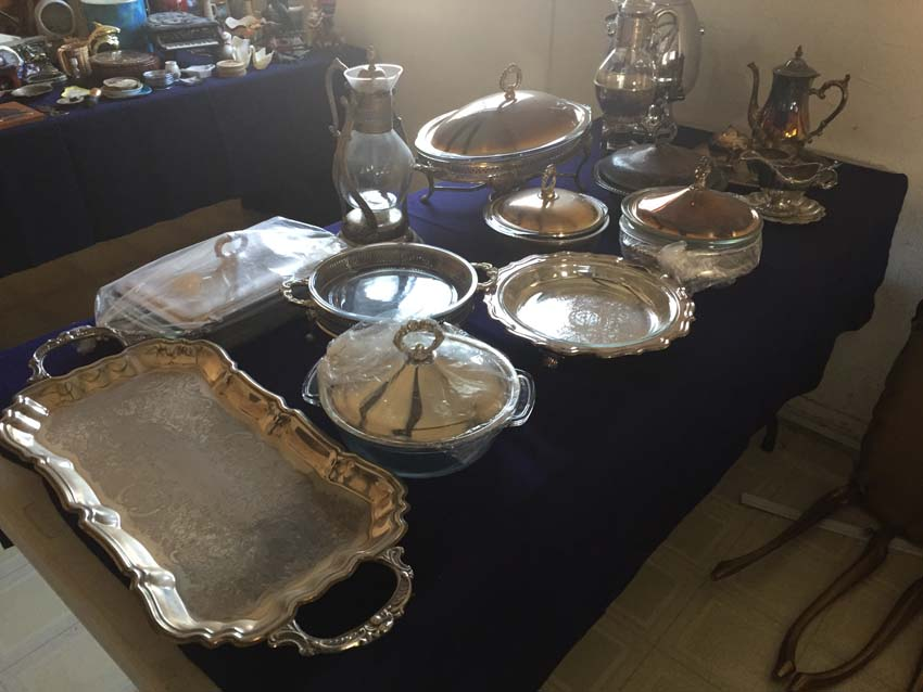 silver table display