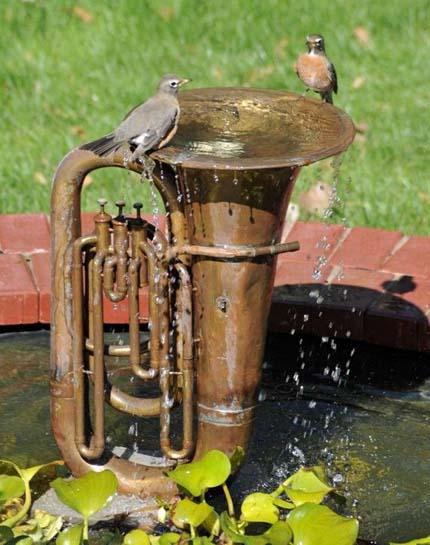 trumpet-bird-bath